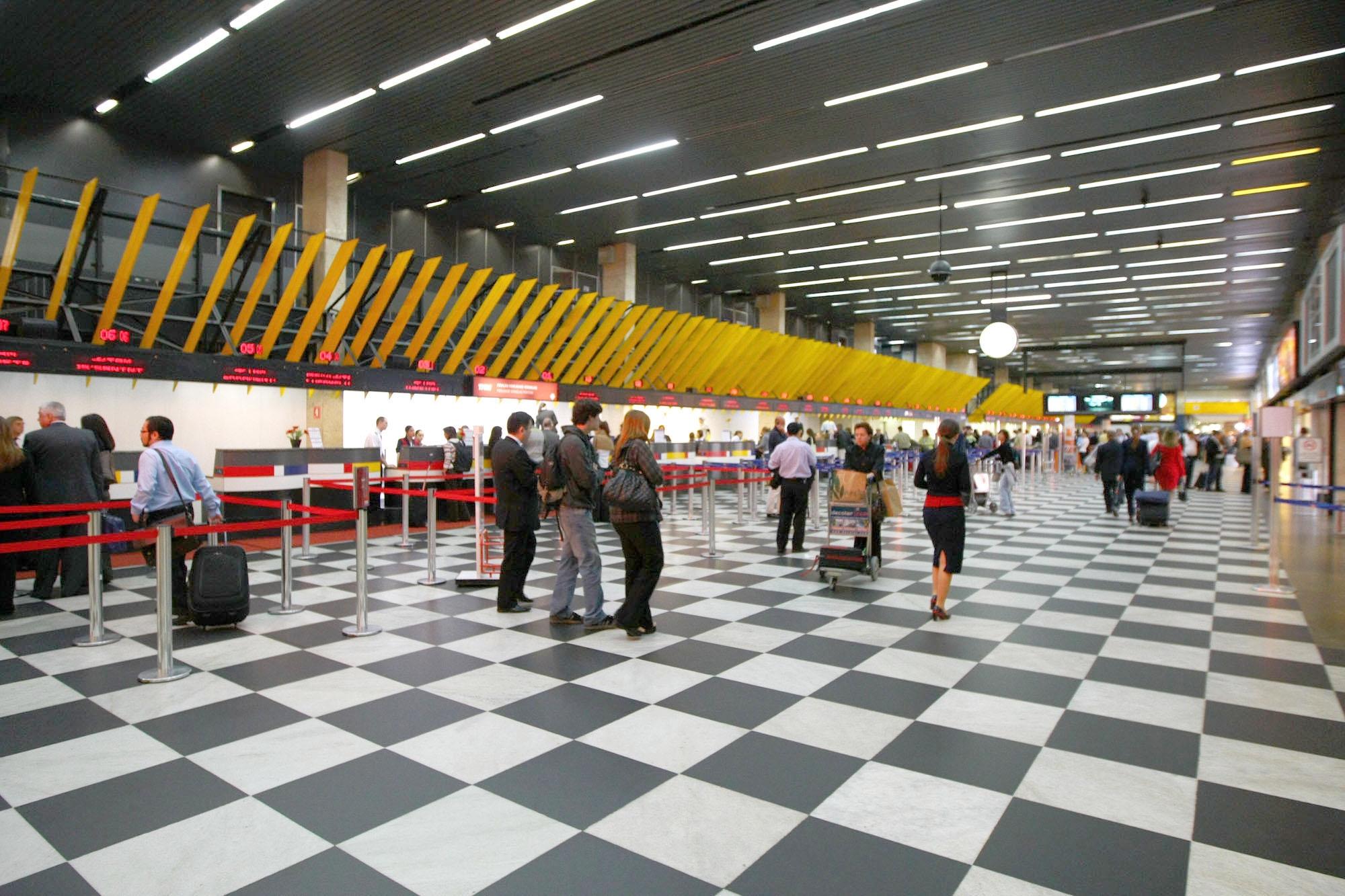 Aeroporto Sp : Lanchonete popular tem a preferência no aeroporto de sp inflyght